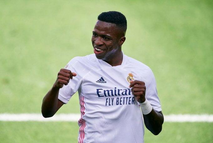 فينيسيوس جونيور يكشف عن اللاعب الذي يفضل اللعب بجواره في ريال مدريد - كورة  توب